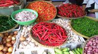 Cabai, bawang, sayur di Pasar Palmerah