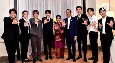 Salah satu personel Super Junior mengunggah video saat bertemu Presiden Joko Widodo di Korea Selatan.