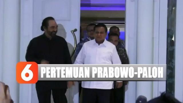 Prabowo yang didampingi tiga petinggi Partai Gerindra langsung mengadakan pertemuan tertutup di dalam kediaman Surya Paloh.
