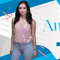 HL Celeb Bio Angela Gilsha (Fotografer: Deki Prayoga, Desain: Nurman Abdul Hakim/Bintang.com)