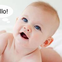 "Lucunyaaa... Baru 10 bulan, bayi ini sudah bisa ucapkan ""Hello"". Kebetulan?"