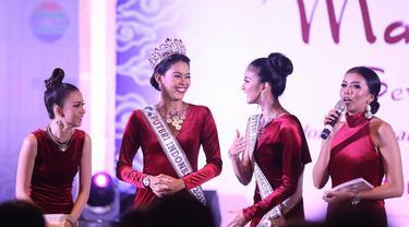 39 Finalis Puteri Indonesia 2018 unjuk keblehan di Malam Bakat Seni dan Budaya. (Bintang.com/Nurwahyunan)