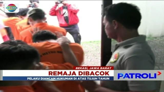 Polisi ringkus tujuh orang yang menjadi pelaku pembacokan pelajar SMK di Bekasi. Satu diantaranya adalah perempuan.
