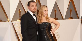 Kate Winslet dan Leonardo DiCaprio sempat disiarkan memiliki kedekatan yang spesial. Tak diketahui kabar selanjutnya, namun rumor terabru menyebutkan bahwa keduanya melakukan kencan. Benar kah? (AFP/Jason Merritt)