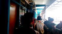 Penyidik KPK menggeledah Pendopo Kabupaten Malang (Liputan6.com/Zainul Arifin)