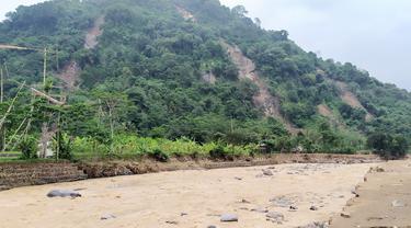 Longsor di Sukajaya Bogor