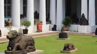 Memiliki sejarah keberadaan yang panjang, Museum Nasional menyimpan ribuan artefak yang menggambarkan perjalanan peradaban bangsa Indonesia.