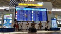 Terminal 3 Bandara Internasional Soekarno Hatta, Tangerang, menghadirkan musik keroncong untuk memperingati Hari Pahlawan (Pramita/Liputan6.com)