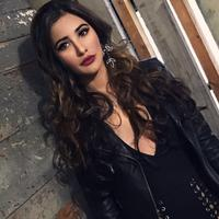 Nargis Fakhri merupakan seorang model dan aktris asal Amerika yang kerap bermain dalam film-film Bollywood. Selain wajah yang cantik, ia mempunyai bibir yang tebal dan seksi. (Foto: instagram.com/nargisfakhri)