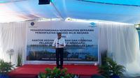 Menteri Perhubungan Budi Karya Sumadi saat melakukan kunjungan kerja ke Pelabuhan Ba'a, Kabupaten Rote Ndao. (Liputan6.com/Ilyas Istianur P)
