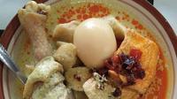Lontong Lemprak, kuliner khas Batang, Jawa Tengah. (dok. Instagram @gez_0909/https://www.instagram.com/p/BOryhyRj53h/)
