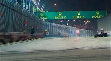 Insiden itu menyebabkan dua bendera kuning dikibarkan agar semua pembalap lebih waspada.