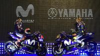 Duo Movistar Yamaha, Valentino Rossi dan Maverick Vinales, diprediksi bakal meramaikan perburuan gelar MotoGP 2018. (AFP/Pierre-Philippe Marcou)