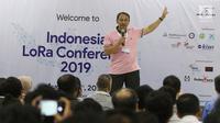 Ketua Umum Asosiasi IoT Indonesia Teguh Prasetya memberikan sambutan dalam Indonesia Long Range Conference (IDLoRaCon) 2019 di Function Hall Studio 6 Emtek City, Jakarta, Rabu (14/8/2019). Perkembangan IoT di Indonesia juga menjadi pembicaraan dalam acara ini. (Liputan6.com/Herman Zakharia)