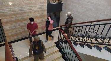 Belasa pasangan bukan suami istri di Tangsel terjaring razia Satpol PP berduaan di kamar kos dan hotel