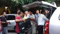 Para pelaku pemain judi online di Cirebon berhasil ditangkap disebuah rumah kos kawasan Kedawung setelah sebelumnya disinyalir sebagai tempat pemakai narkoba. Foto (Liputan6.com / Panji Prayitno)