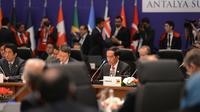 Presiden Joko Widodo saat mengikuti pembukaan G20 Antalya Summit di Antalya Turki, Minggu,(15/11). Indonesia merupakan satu-satunya negara ASEAN yang menjadi anggota G20.(Setpres)