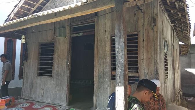 Rumah Zohri sebelum direnovasi. Dok: Kementerian PUPR