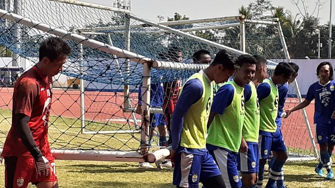 3 Pemain Persib Bakal Dilepas ke Bandung United - Bola.com