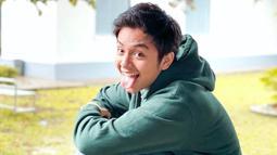 Cukup sering menggunakan jaket di beberapa penampilannya, gaya kasual dari Angga Yunanda pun sangat bisa kamu tiru. Tak hanya jaket, pemain film Mariposa ini juga beberapa kali terlihat menggunakan hoodie. (Liputan6.com/IG/@anggayunandareal16)