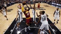 Spurs vs Cavaliers (Reuters/Soobum Im)