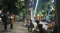 Wali Kota Surabaya Tri Rismaharini (Risma) menggelar tes COVID-19 di Taman Bungkul pada Sabtu malam, 17 Oktober 2020 (Foto: Dok Pemkot Surabaya)