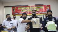 Pemalsu Girik Di Tangkap Satgas Mafia Tanah Polda Banten. (Kamis, 25/03/2021). (Dokumentasi Satgas Mafia Tanah Polda Banten).