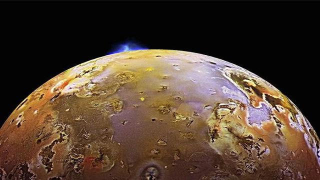 Mencengangkan, Ada Gunung Raksasa di Bulan Planet Jupiter