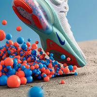 Dengan butiran bantalan yang empuk, Nike Joyride menjadi satu-satunya sneakers keluaran Nike yang empuk dan menggunakan teknologi manik-manik TPE (Foto: Nike)