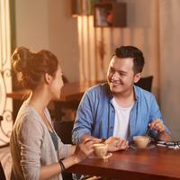 Berkomunikasi dengan pasangan./Copyright shutterstock.com