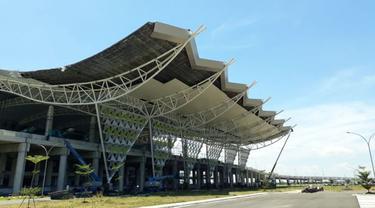Progres pembangunan Bandara Kertajati atau Bandara Internasional Jawa Barat (BIJB), Rabu (4/4/2018). (Ilyas/Liputan6.com)