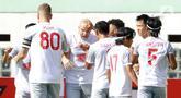 Pemain PSM Makassar, Anco Jansen, melakukan selebrasi usai mencetak gol ke gawang Persik Kediri pada laga BRI Liga 1 di Stadion Wibawa Mukti, Cikarang, Kamis (23/9/2021). PSM Makassar menang tipis atas Persik Kediri dengan skor 3-2. (Bola.com/M Iqbal Ichsan)