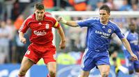 Liverpools Steven Gerrard vies for the ball with Chelsea's Frank Lampard during their European Champions League semi final first leg match at Anfield, Liverpool, on 01 May 2007. AFP PHOTO/PAUL ELLIS