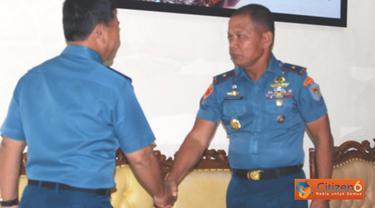 Citizen6, Jakarta Pusat: Komandan Pasmar-2 Brigadir Jenderal TNI (Mar) Sturman Panjaitan menerima tim Wasrikkap Itjenal 2012 di Markas Komando Pasmar-2, Jalan Kwini II No. 6 Jakarta Pusat, Jumat (1/6). (Pengirim: Marinir) (