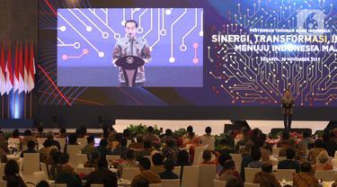 Presiden Joko Widodo memberikan pandangan terkait ekonomi dalam Pertemuan Tahunan Bank Indonesia (PTBI) 2019 di Jakarta, Kamis (28/11/2019). Acara bertema 'Sinergi Transformasi Inovasi Menuju Indonesia Maju' ini dihadiri para pelaku industri keuangan. (Liputaan6.com/Angga Yuniar)