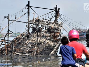 Kondisi Kapal-Kapal di Muara Baru Usai Dilalap Api