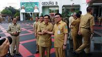 Menteri Dalam Negeri (Mendagri) Tjahjo Kumolo usai apel halalbihalal bersama PNS Kemendagri, Senin (10/6/2019). (Liputan6.com/Putu Merta Surya Putra)