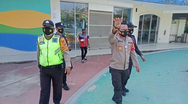 Polisi bubarkan pengunjung wisata wahana air di Kabupaten Bekasi