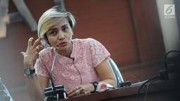 Psikolog Klinis Liza Djaprie saat jumpa pers di kantor KPAI, Jakarta, Kamis (14/2). Yayasan Lentera Anak melaporkan kasus dugaan eksploitasi anak itu ke KPAI, sekaligus meminta pemerintah memerhatikan masalah ini. (Liputan6.com/Herman Zakharia)