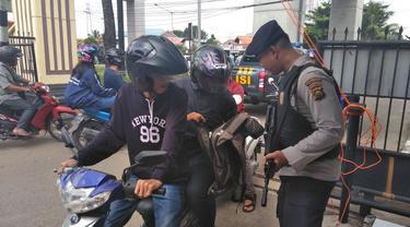 Mapolda Sumsel Dikawal Polisi Berompi Antipeluru Pasca Bom Surabaya