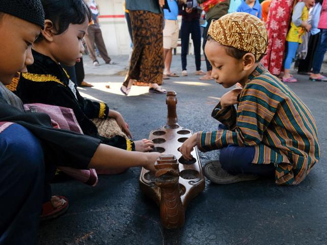 Bangga Memperkenalkan Permainan Tradisional Kepada Anak Anak Lifestyle Fimela Com