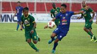 Persebaya Surabaya mengalahkan Arema FC pada semifinal Piala Gubernur Jatim 2020 di Stadion Soepriadi, Kota Blitar, Selasa (18/2/2020) sore. (Bola.com/Aditya Wany)