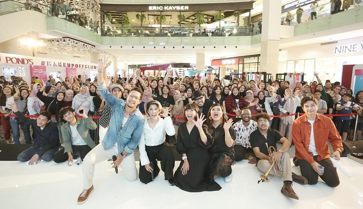 Maliq & D'essentials -Fimela Fest 2019 (Bambang E Ros/Fimela.com)