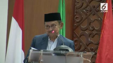 Presiden Indonesia ke-3, Bacharuddin Jusuf Habibie menilai keberhasilan pemerintah meraih saham 51 persen atas kepemilikan freeport. Merupakan prestasi yang membanggakan bagi Presiden Jokowi.