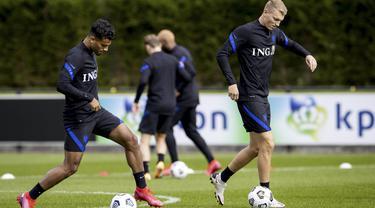 Latihan Perdana Timnas Belanda Pasca Ditinggal Ronald Koeman ke Barcelona