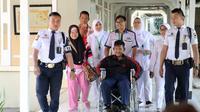 Setelah menjalani perawatan selama kurang lebih seminggu di RSHS, Arya Permana diizinkan pulang, Senin (29/7/2019). (Foto: Liputan6.com/Arie Nugraha)