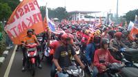 Ribuan Jakmania kkonvoi ke Balai Kota DKI.