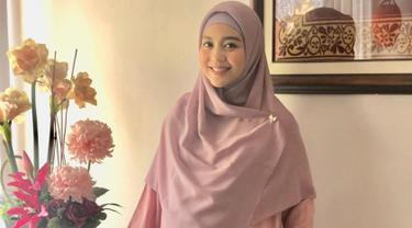 Artis kelahiran Bandung, 22 November 1985 ini pernah bermain sinetron Cintra Fitri yang melambungkan namanya. Namun kini, Nuri Maulida memilih untuk mengurus rumah tangganya. (Liputan6.com/IG/@nurimaulida)