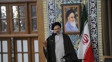 Ebrahim Raisi merupakan seorang ulama konservatif yang dikenal dekat dengan Pemimpin Tertinggi Ayatollah Ali Khamenei