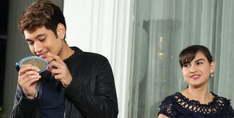 Hubungan kedekatan pesinetron Irish Bella dan Giorgino Abraham menjadi tanda tanya bagi para penggemarnya. Di media sosial, pemeran sinetron Rahmat Cinta itu sering menunjukkan kedekatannya. Lantas seperti apa hubungan keduanya?(Bambang E Ros/Bintang.com)
